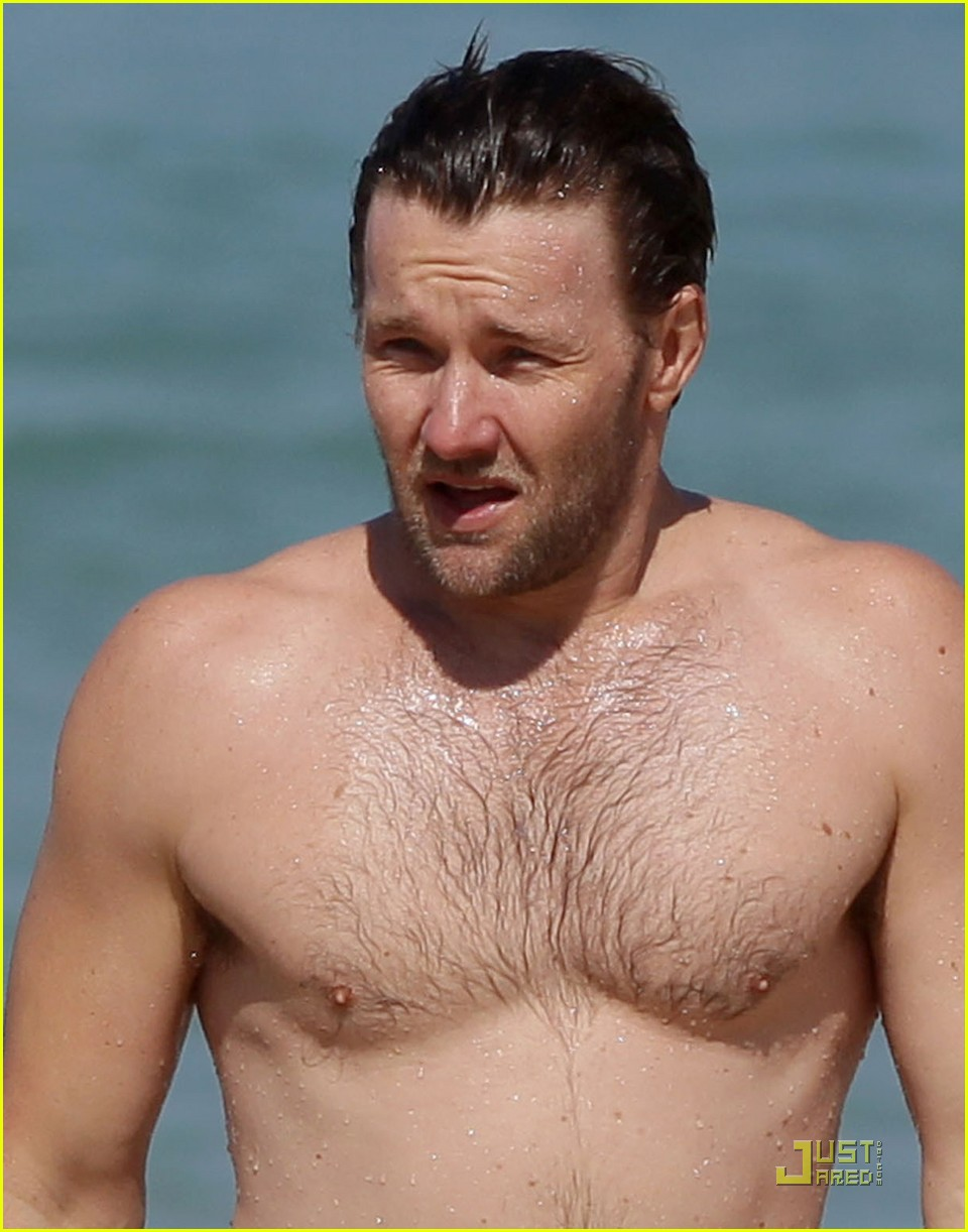 joel edgerton shirtless bondi beach 04