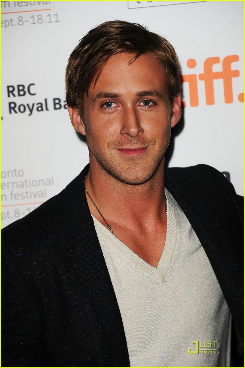 ryan gosling drive premiere in toronto 13