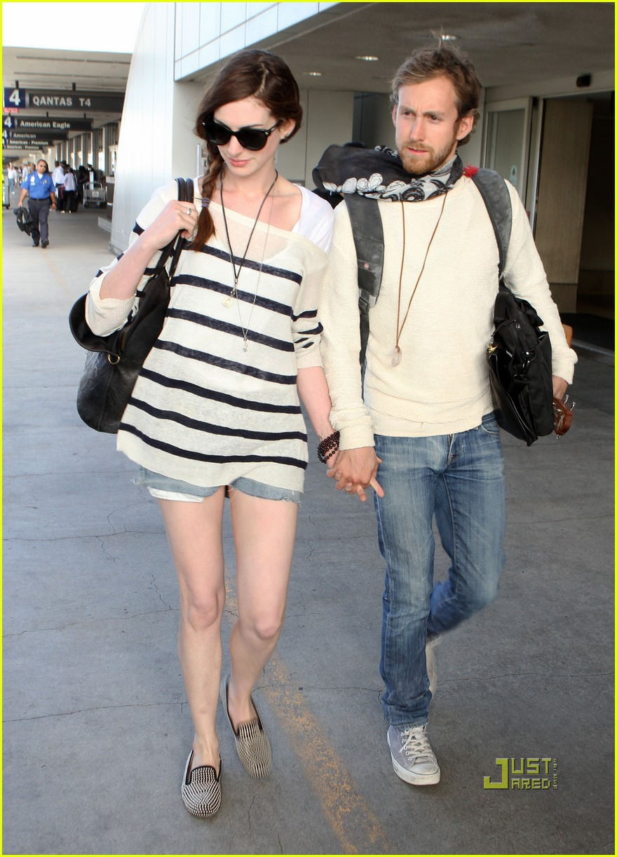 anne hathaway adam shulman lax 04
