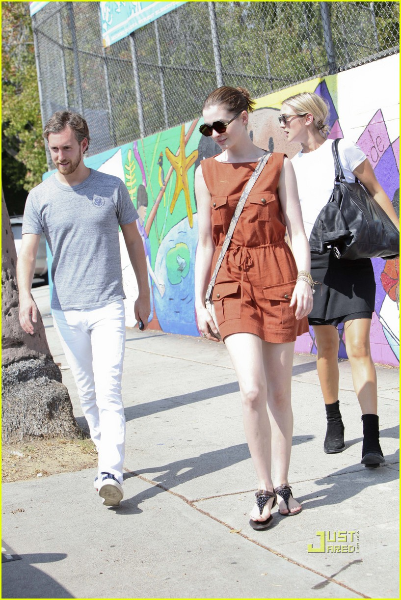 anne hathaway adam shulman millies coffee shop 14