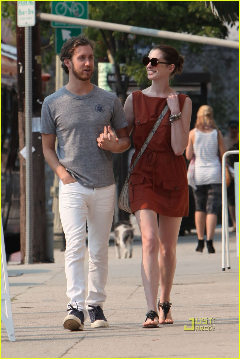 anne hathaway adam shulman millies coffee shop 20