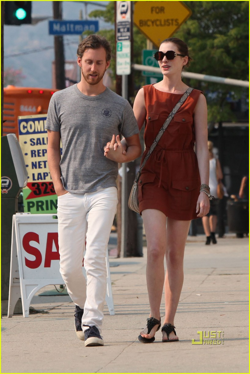 anne hathaway adam shulman millies coffee shop 22