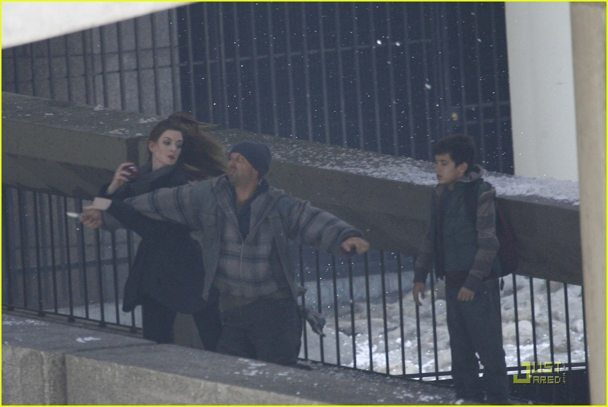 anne hathaway dark knight stunt 01