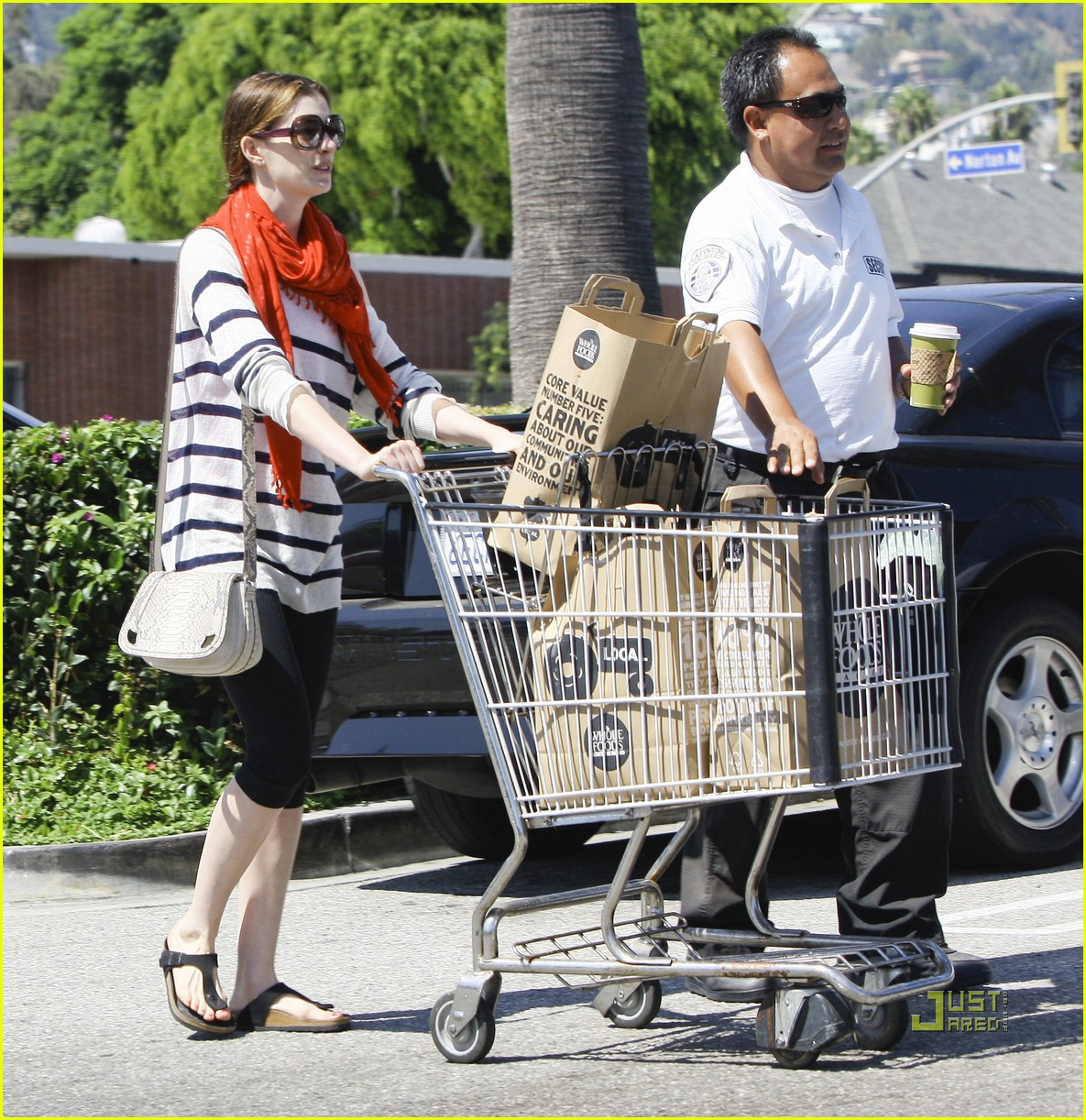 anne hathaway whole foods 06
