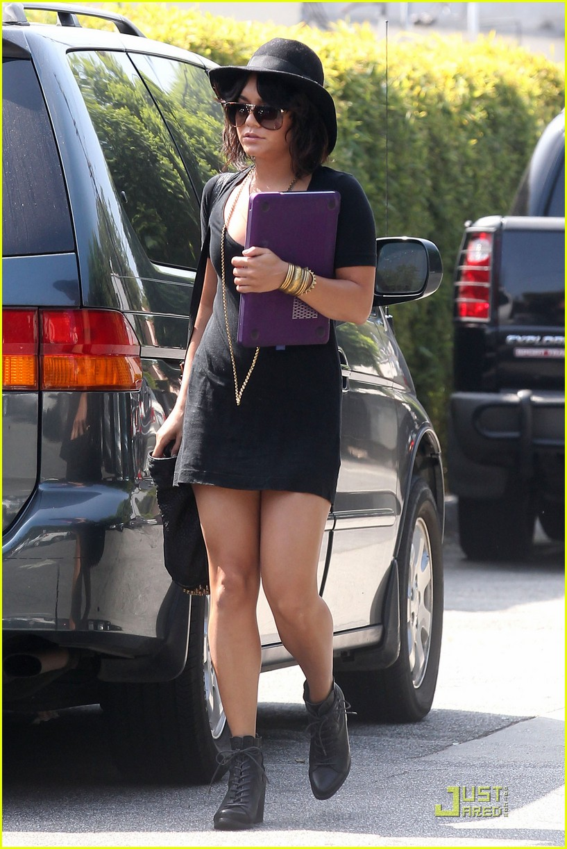 vanessa hudgens lunch after yoga 03