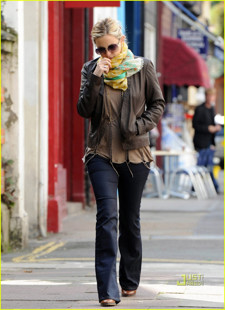 kate hudson matt bellamy breakfast london 02