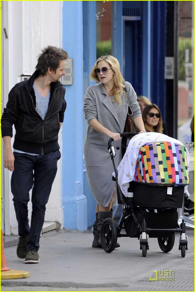 kate hudson matthew bellamy out 05