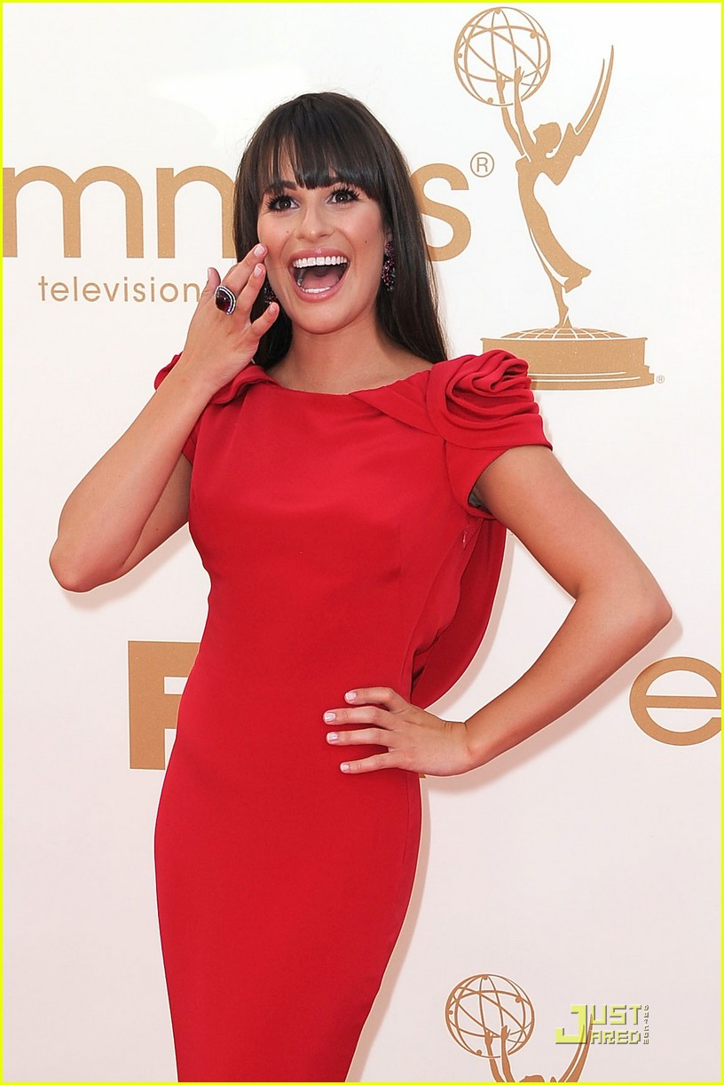 lea michele emmys 2011 red carpet 04