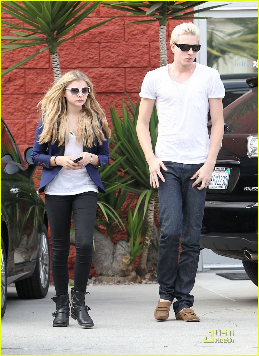 chloe moretz white sunglasses 06