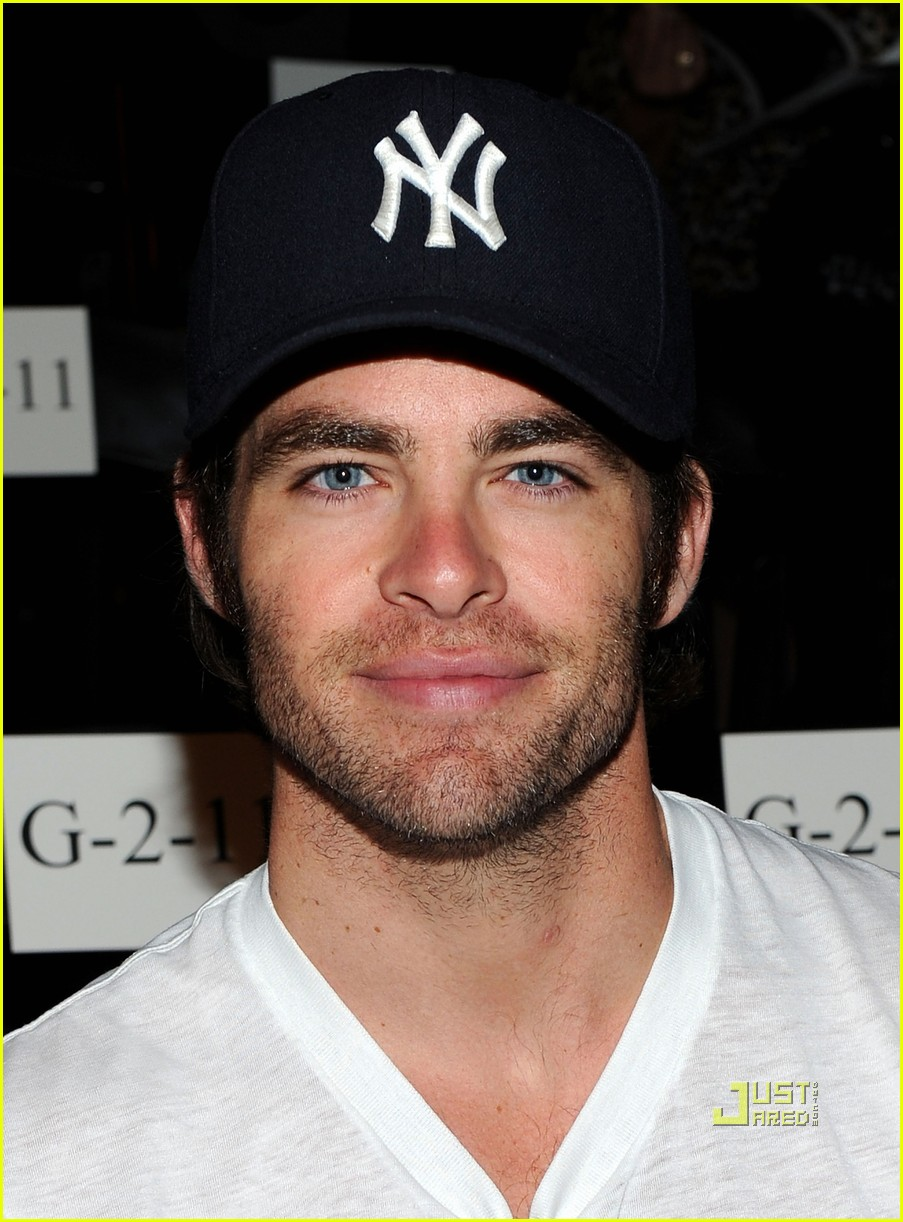 chris pine dad robert pine 052579411