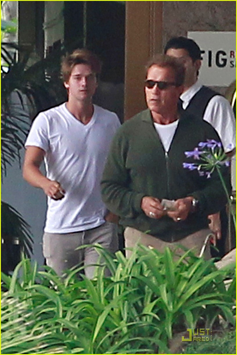 patrick schwarzenegger date 02