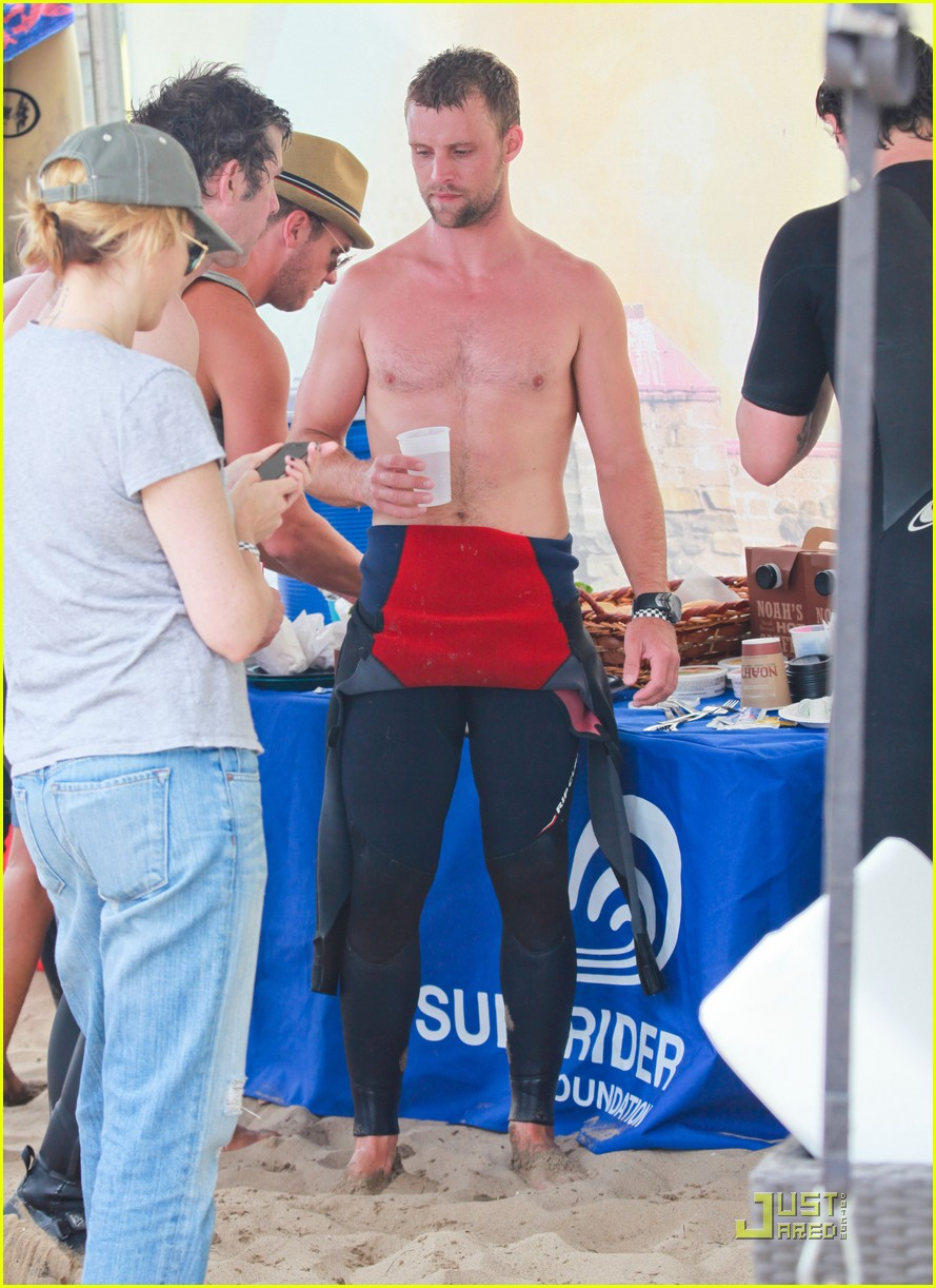 jesse spencer shirtless surfer 03