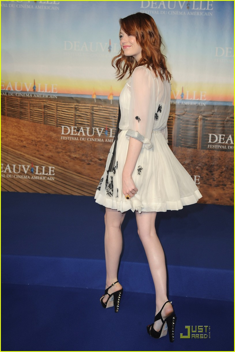 emma stone help photo call deauville 04