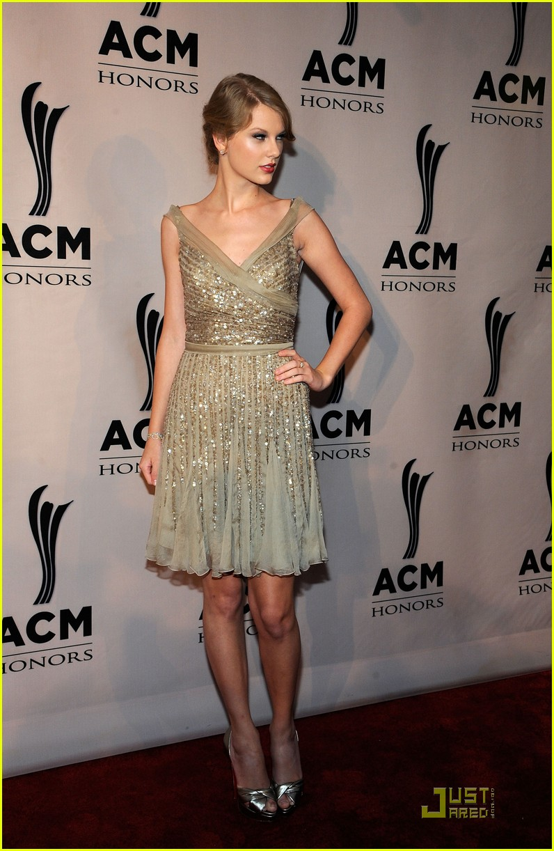 taylor swift acm honors 03