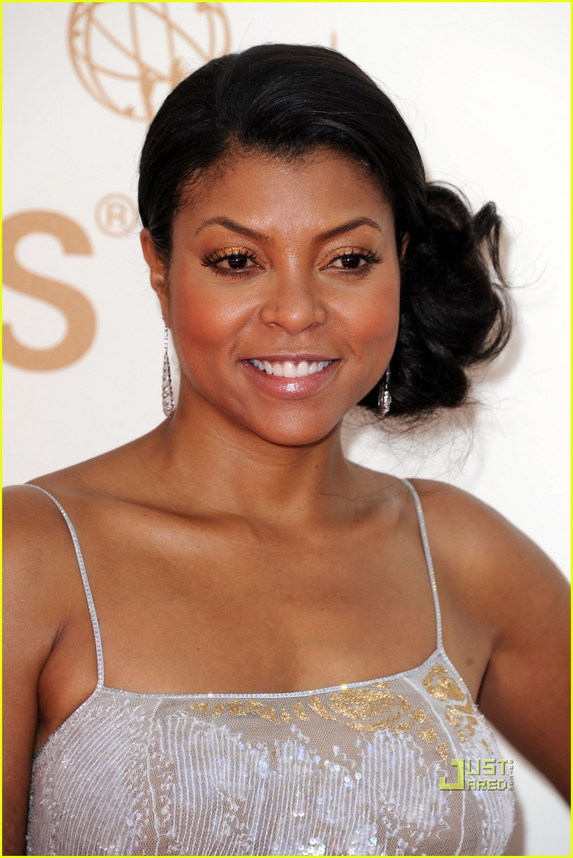 taraji p henson 2011 emmy awards red carpet 05