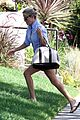 reese witherspoon sunny brentwood visit 02