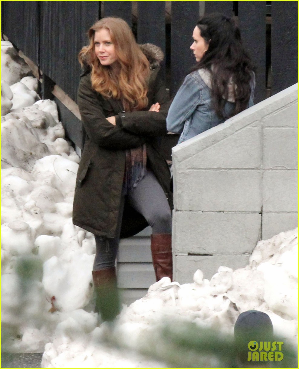 amy adams on set of man of steel 03
