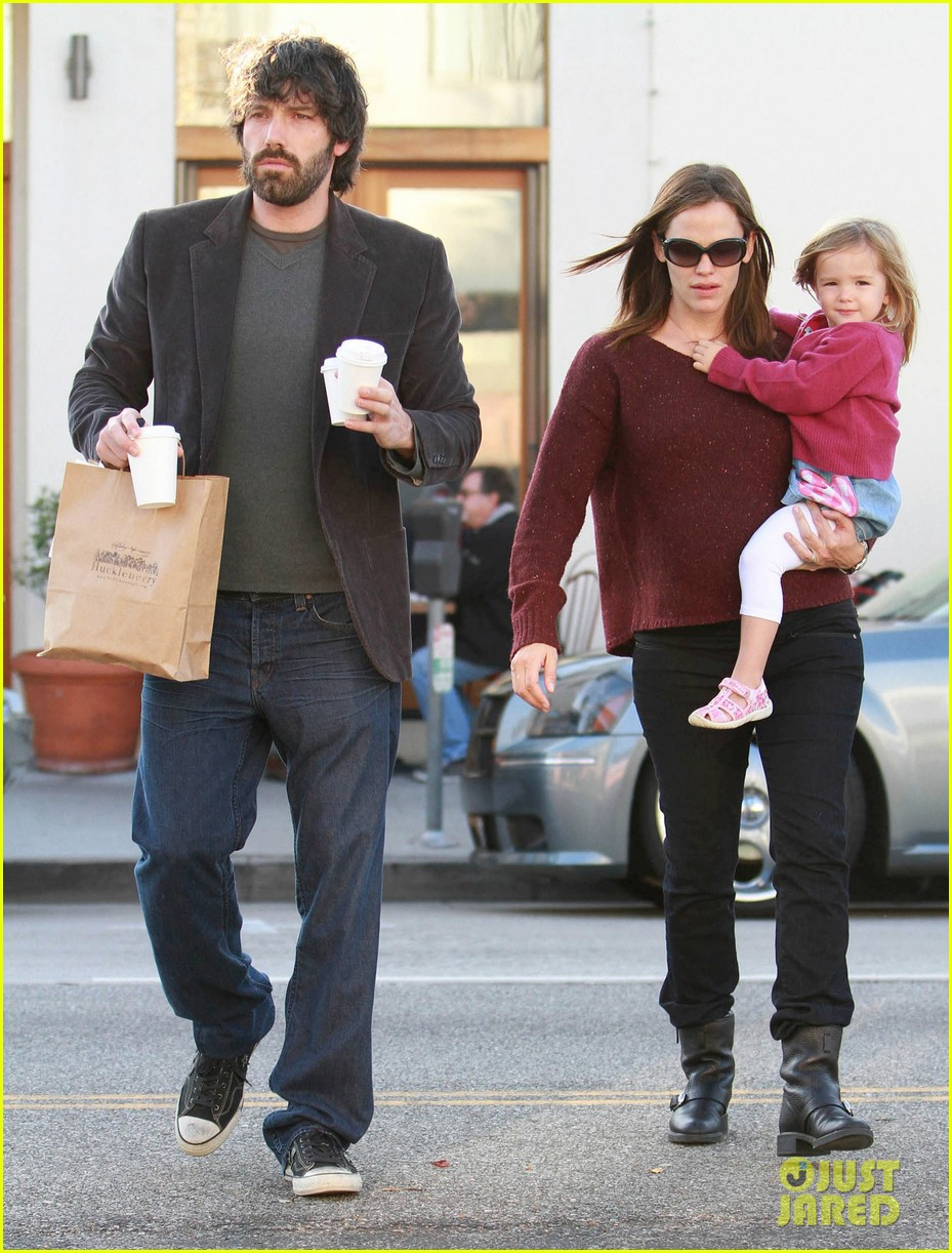 jennifer garner ben affleck huckleberry 13