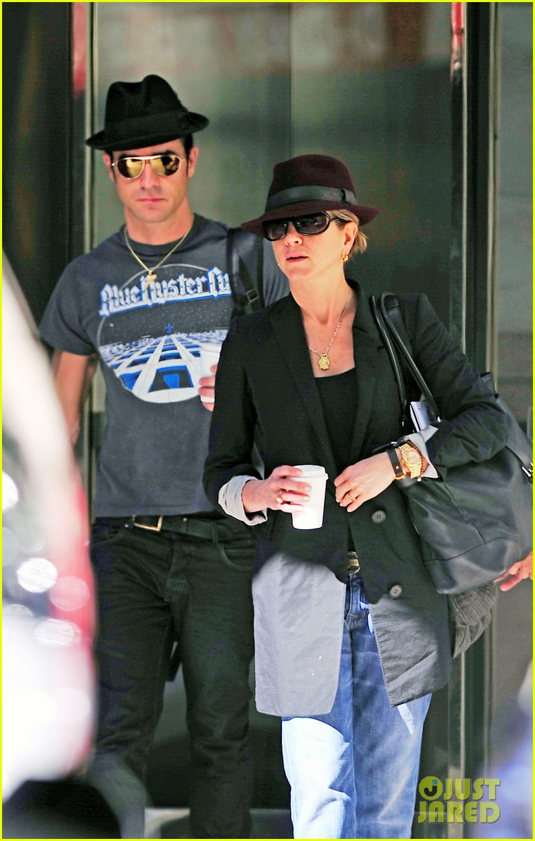 jennifer aniston justin theroux fedora meeting 03