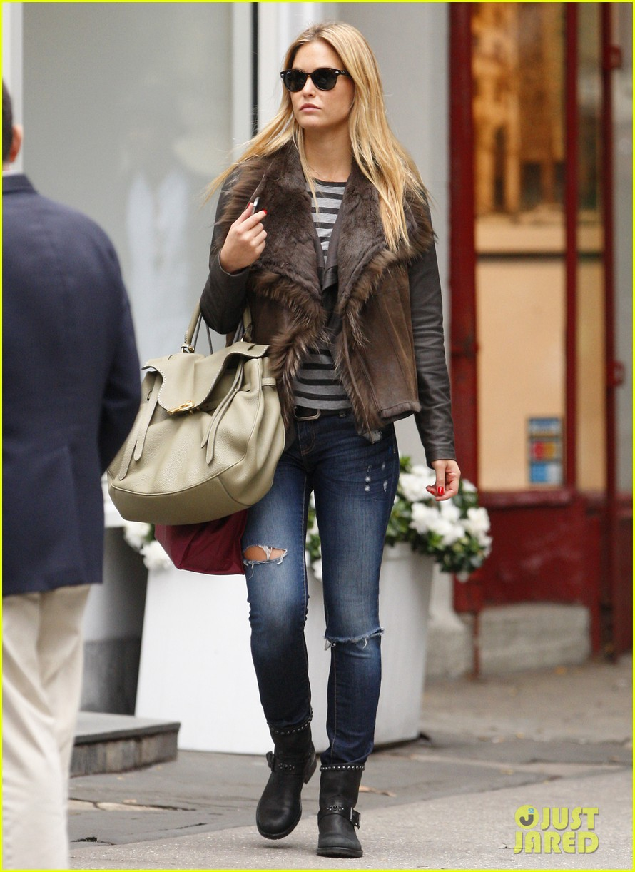bar refaeli shopping nyc 022586272