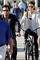 kate beckinsale bike ride with len lily 01