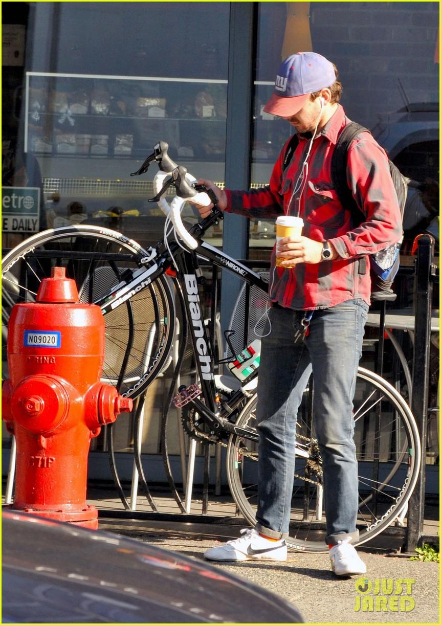 shia labeouf vancouver coffee 042590822
