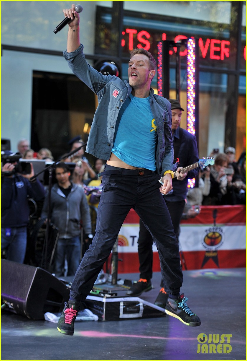 chris martin coldplay today 01