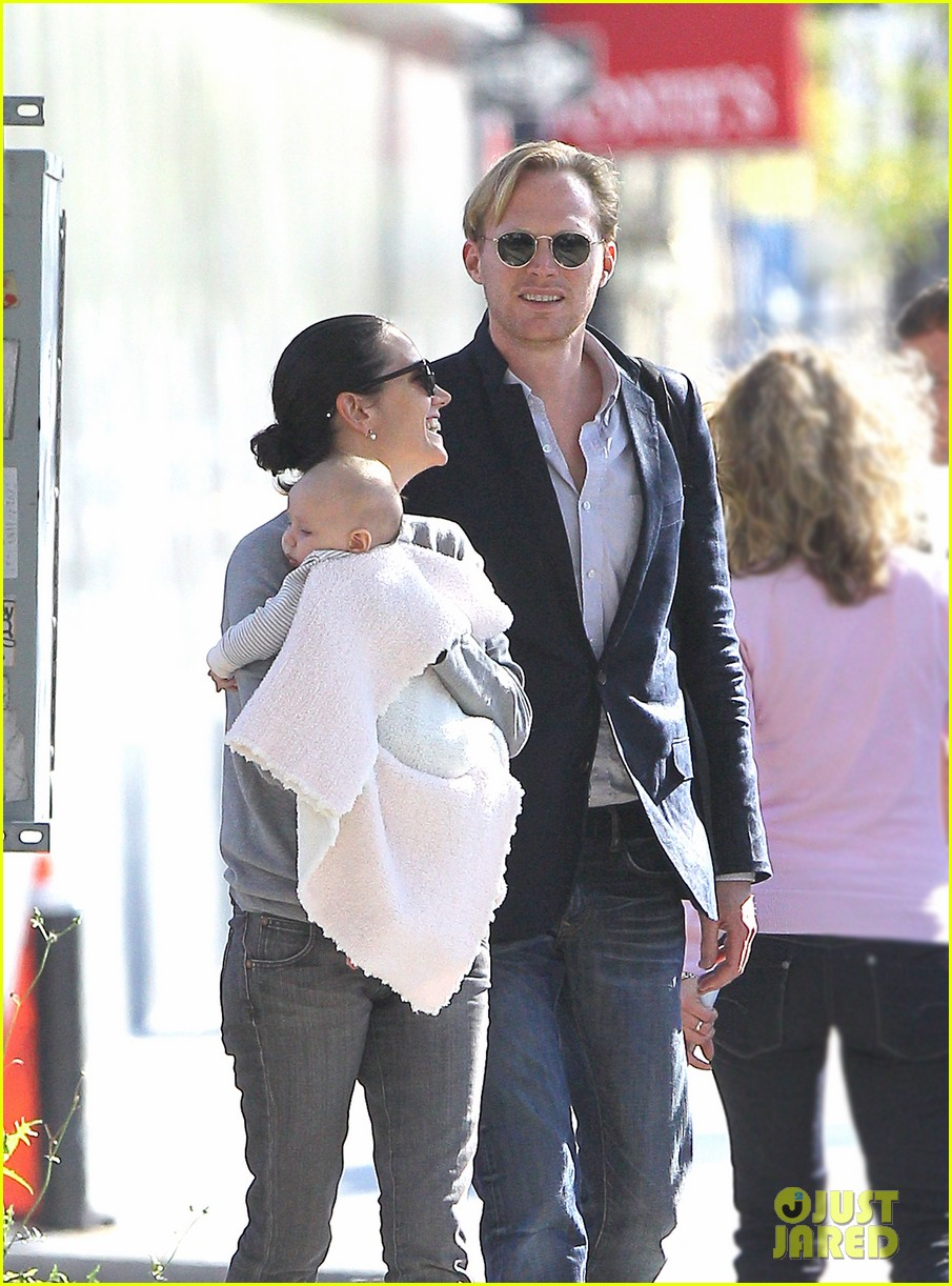 jennifer connelly agnes paul bettany nyc 02