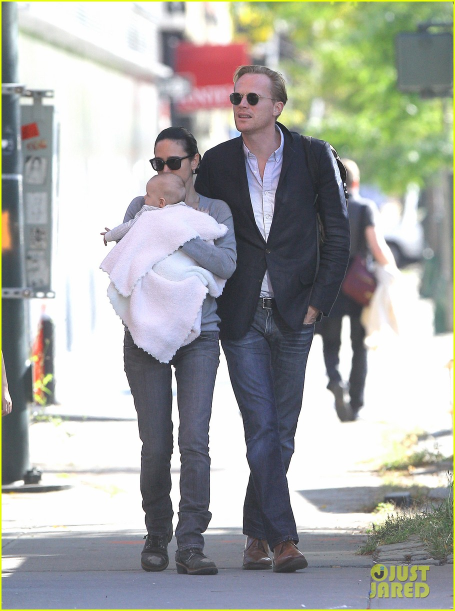 jennifer connelly agnes paul bettany nyc 042587899