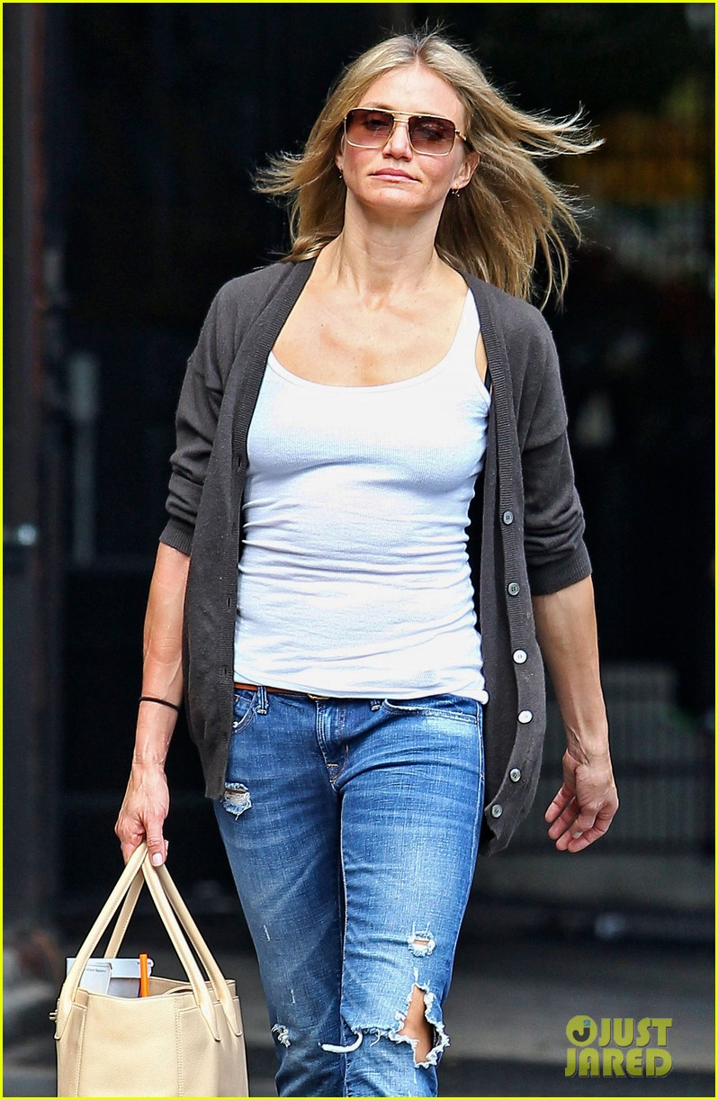 cameron diaz steps out after split 04
