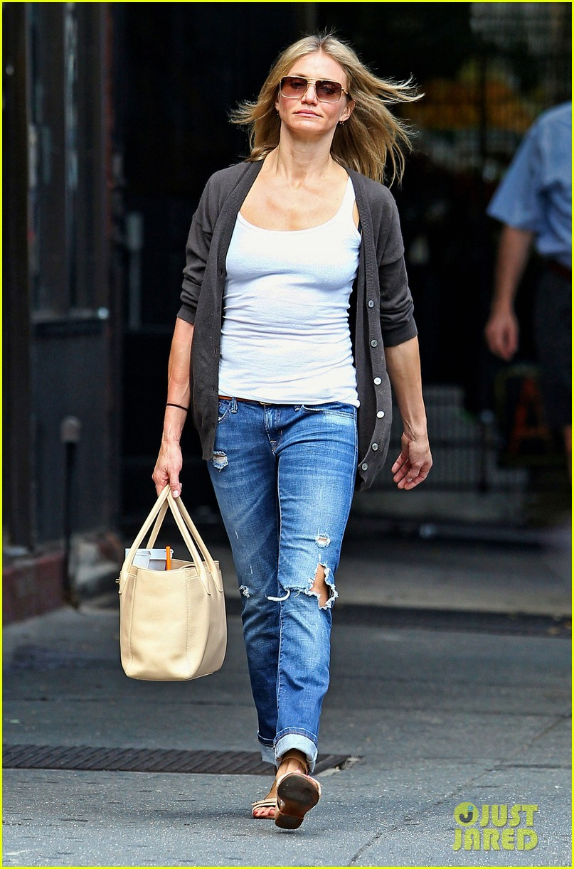 cameron diaz steps out after split 05