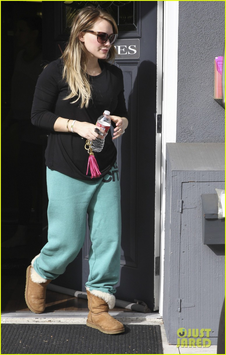 hilary duff green sweats pilates 05