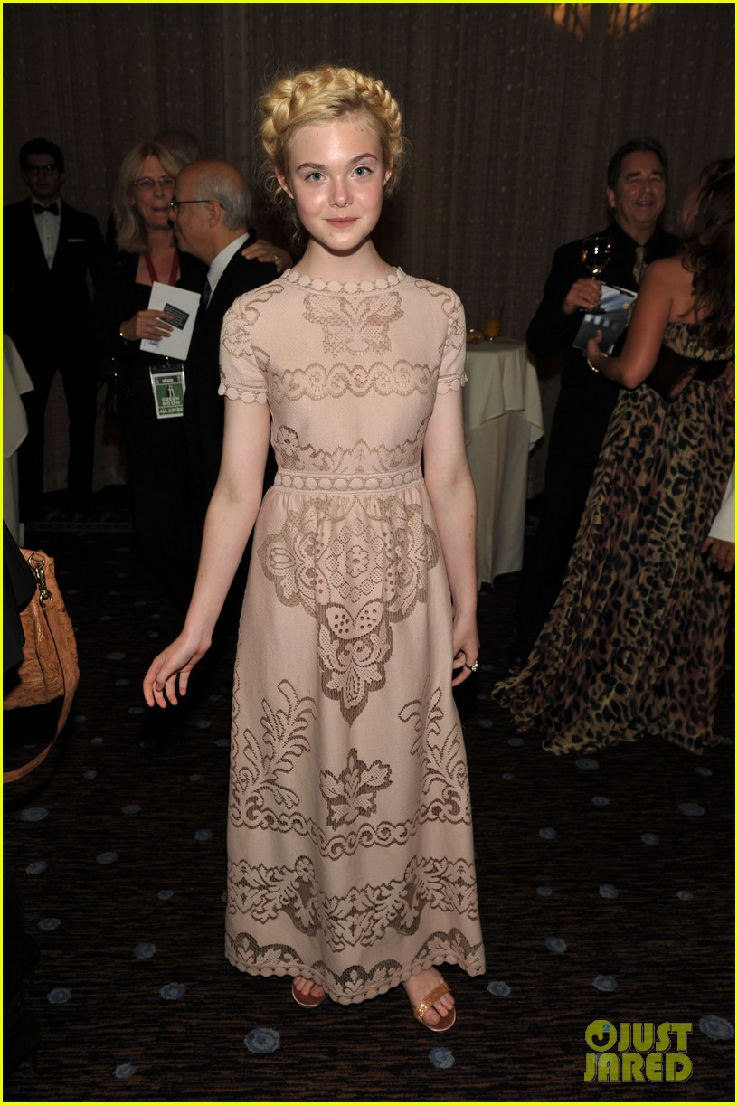 elle fanning hollywood film awards 2011 07