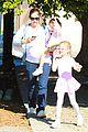 jennifer garner brings the girls to ballet class 10