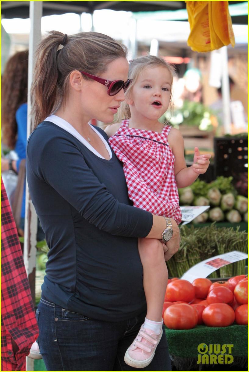 jennifer garner ben affleck seraphina violet farmers market 06