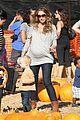 rebecca gayheart eric dane pumpkin patch with billie 02