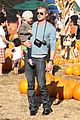 rebecca gayheart eric dane pumpkin patch with billie 11
