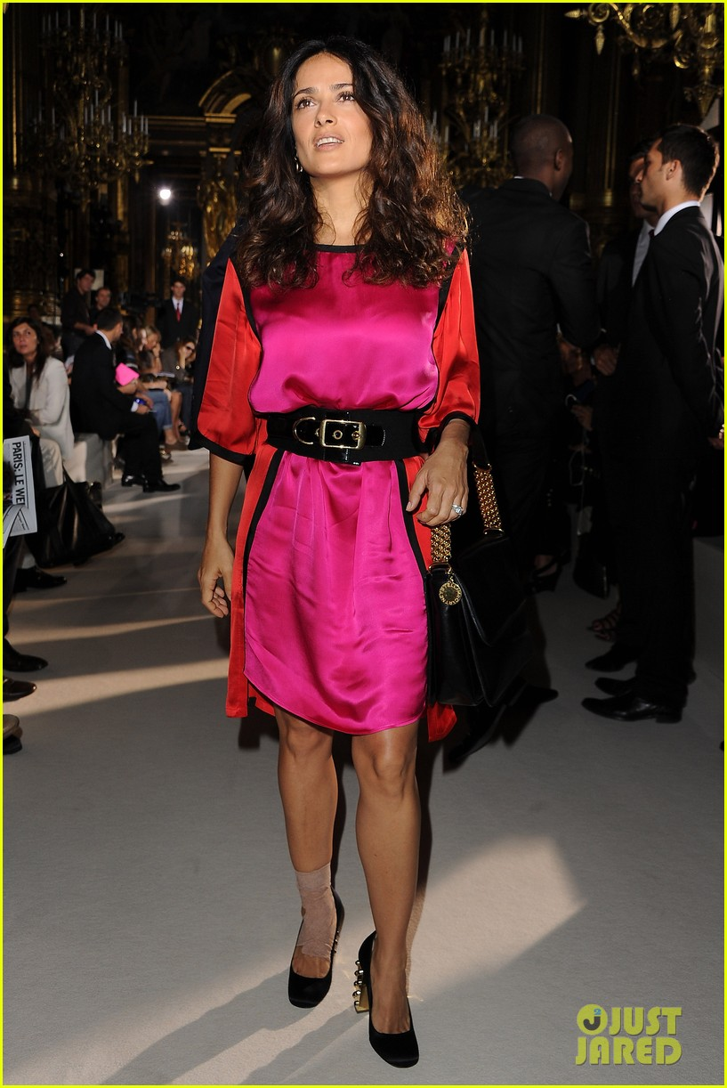 salma hayek francois henri pinault stella mccartney paris fashion week 05