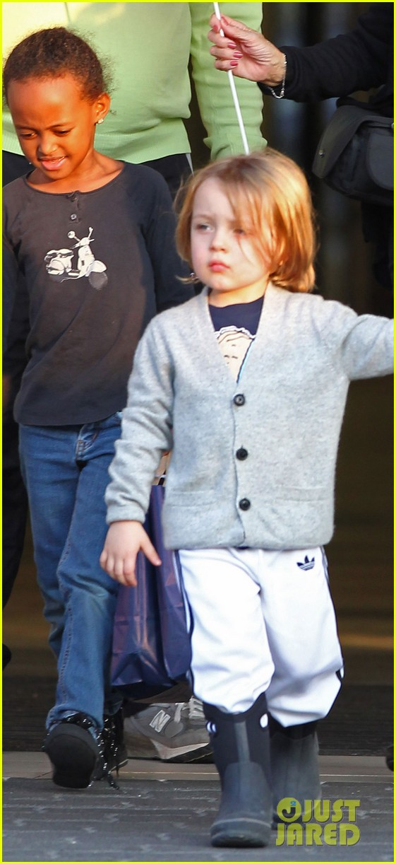 angelina jolie kids brad pitt parents 02