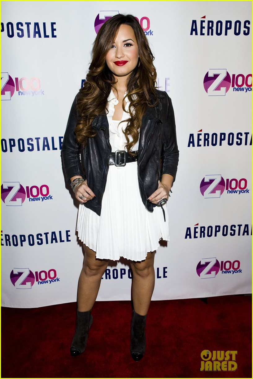 demi lovato jingle ball announcement 08