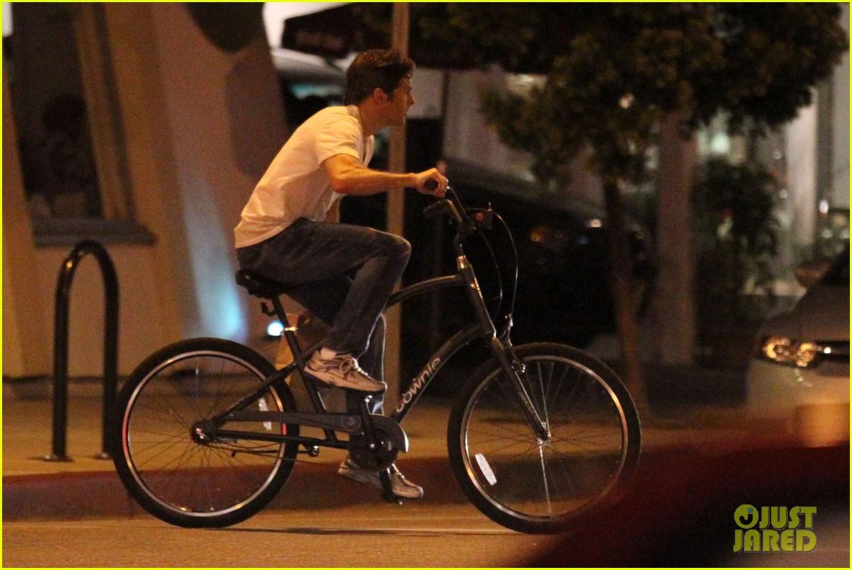 james marsden solo bike ride 08