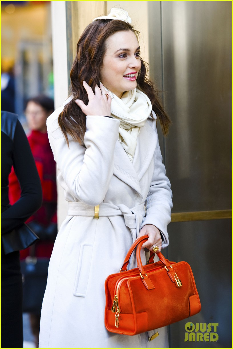 leighton meester white coat gossip set 05