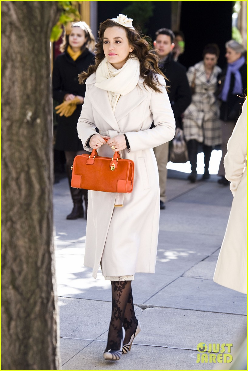 leighton meester white coat gossip set 16