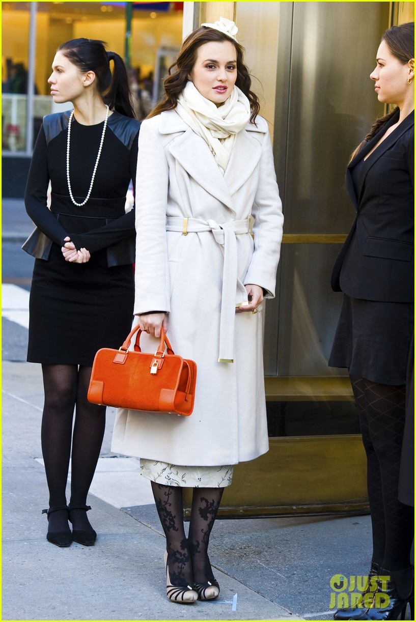 leighton meester white coat gossip set 28
