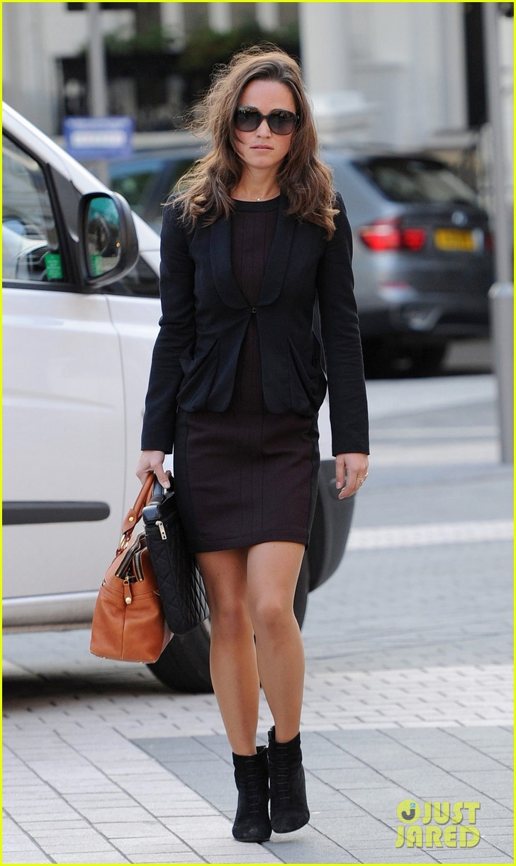pippa middleton ankle booties work 07