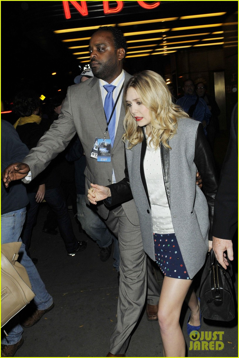 elizabeth olsen leaving jimmy fallon 04