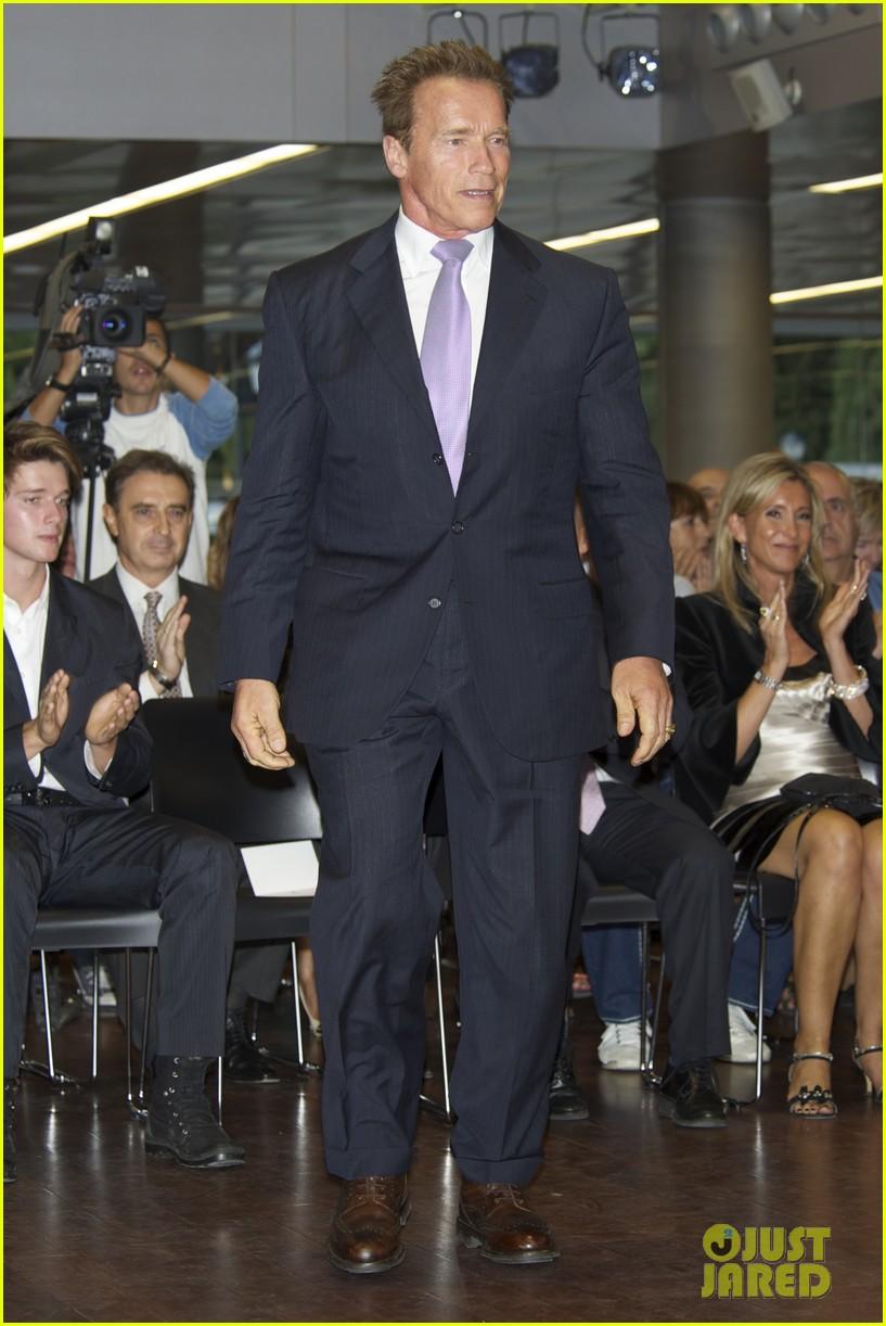 Full Sized Photo of pa... Arnold Schwarzenegger