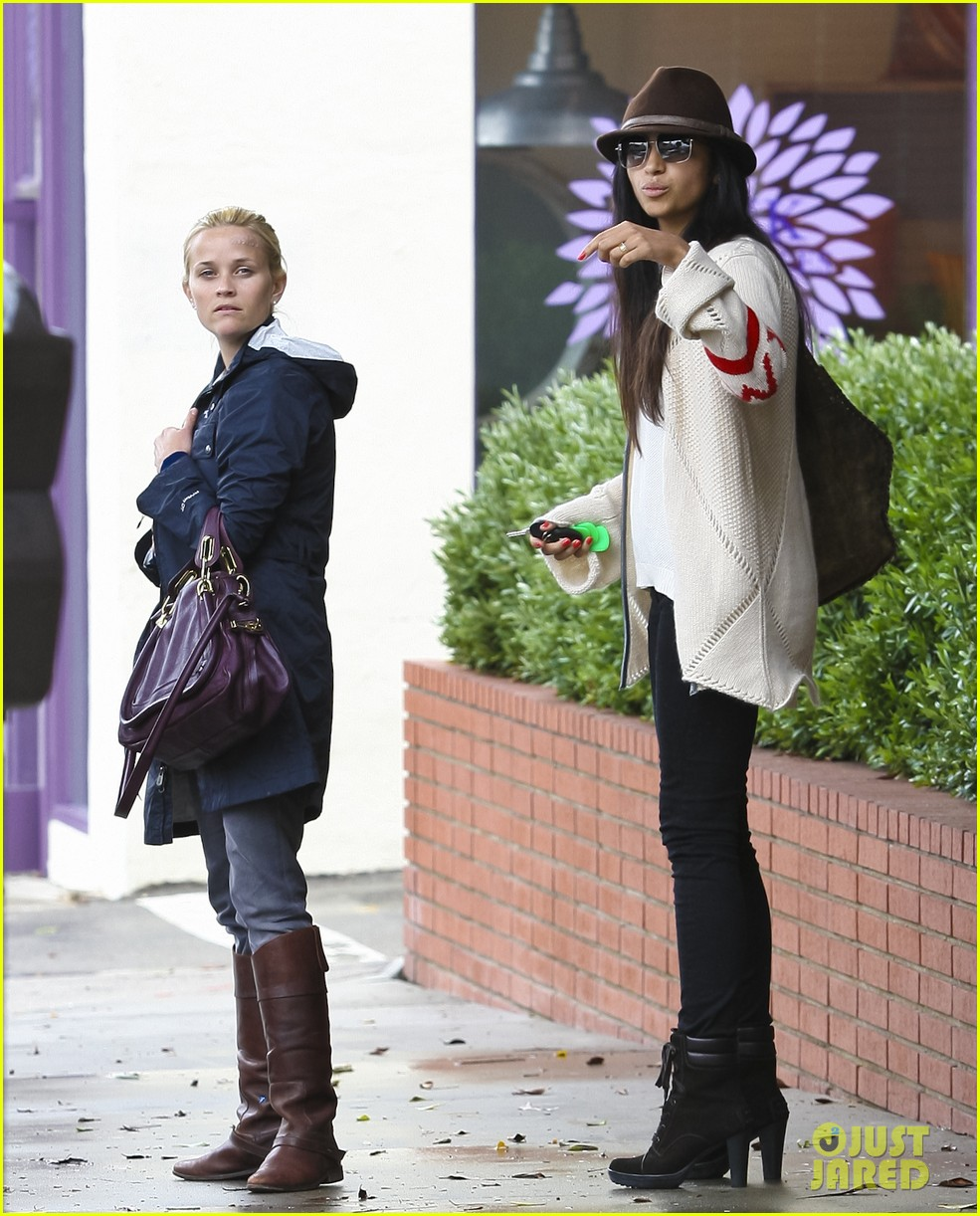 reese witherspoon camila alves lunch date rain 042587268