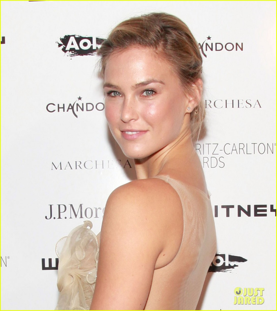 bar refaeli whitney gala 01