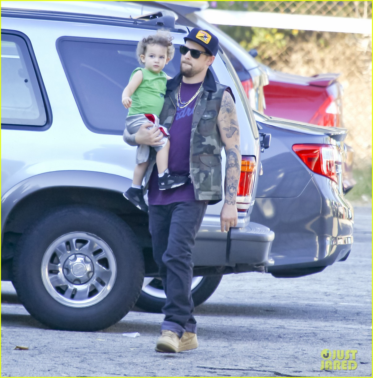 nicole richie joel madden pumpkin patch with the kids 03